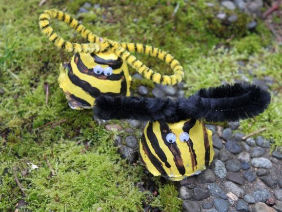 Egg Carton Bumblebee