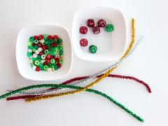 Beaded Pipe Cleaner Mini Wreaths
