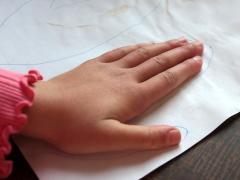 Handprint Felt Mittens
